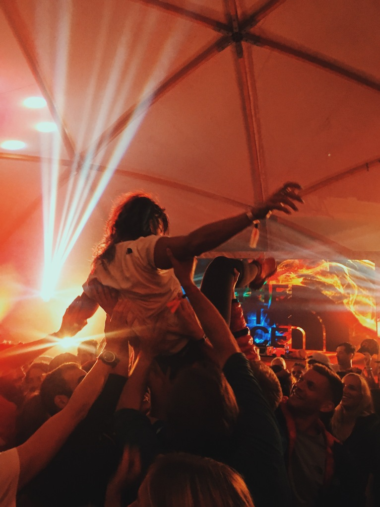 Carly Wilford Crowdsurfs